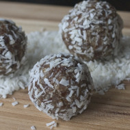 Recipe: Coconut-Date Snack Bites