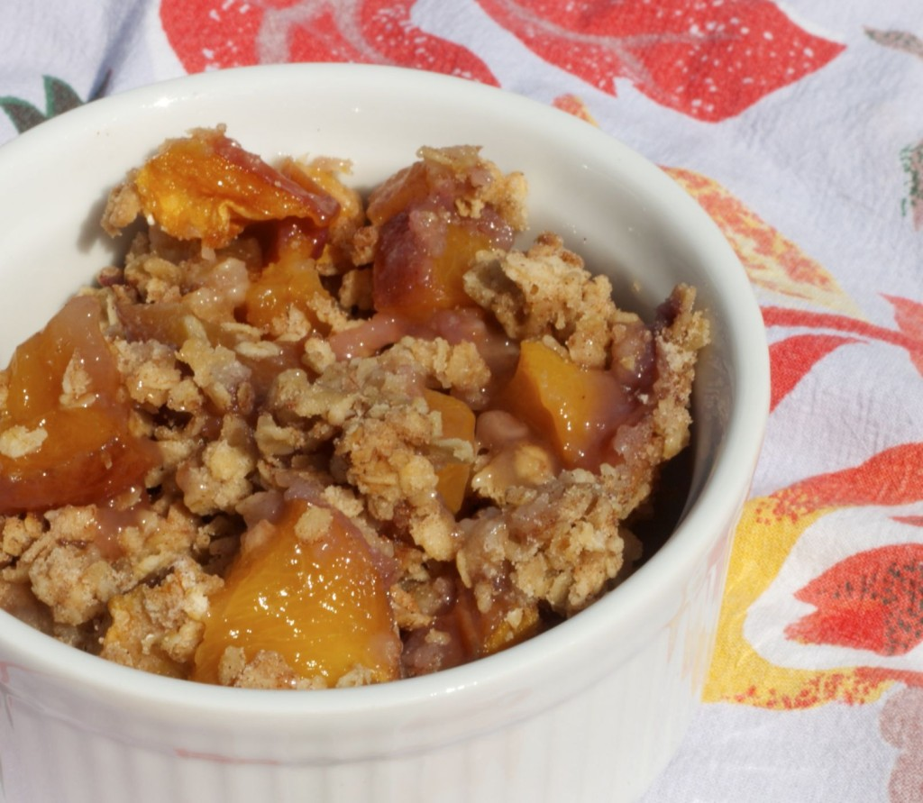 Whole-Grain Peach Crisp www.redkitchenette.com