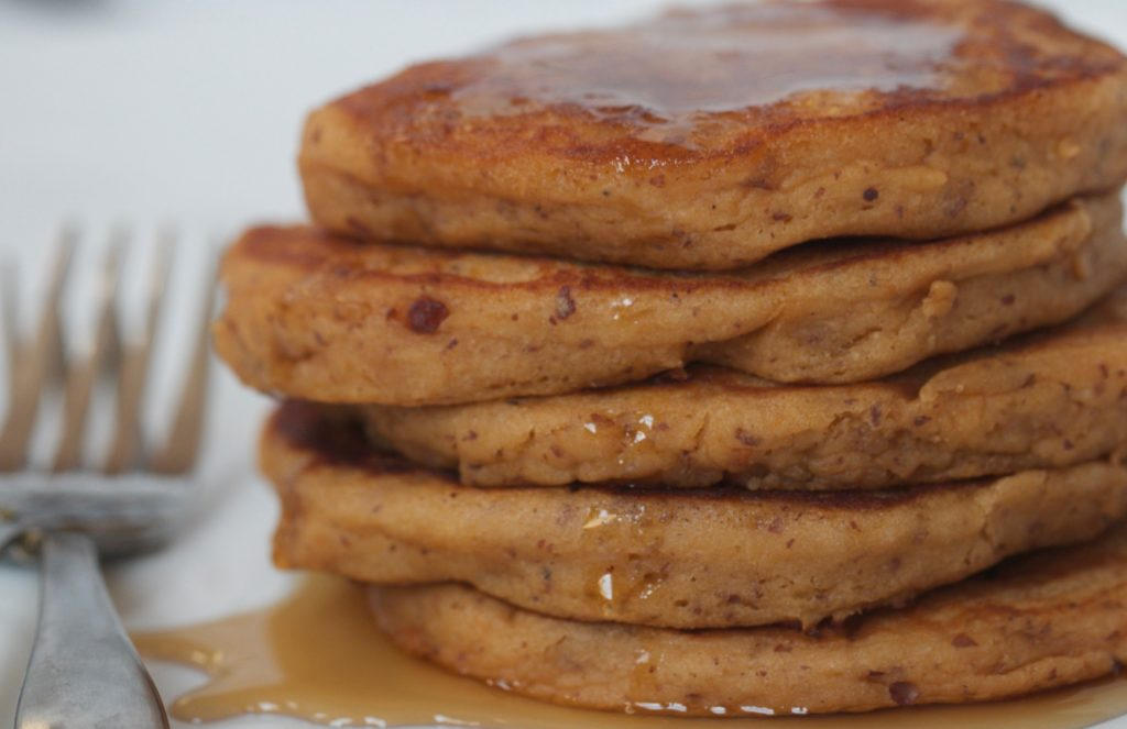 sweet potato and apple pancakes www.redkitchenette.com