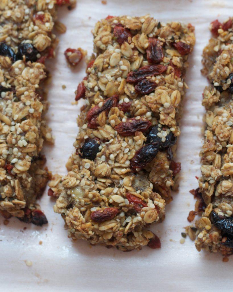 Superfood Granola Bars (vegan, gluten-free) www.redkitchenette.com
